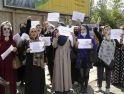 Cewek-cewek  Modis Demo: Para Pejuang Taliban pun Gugup!