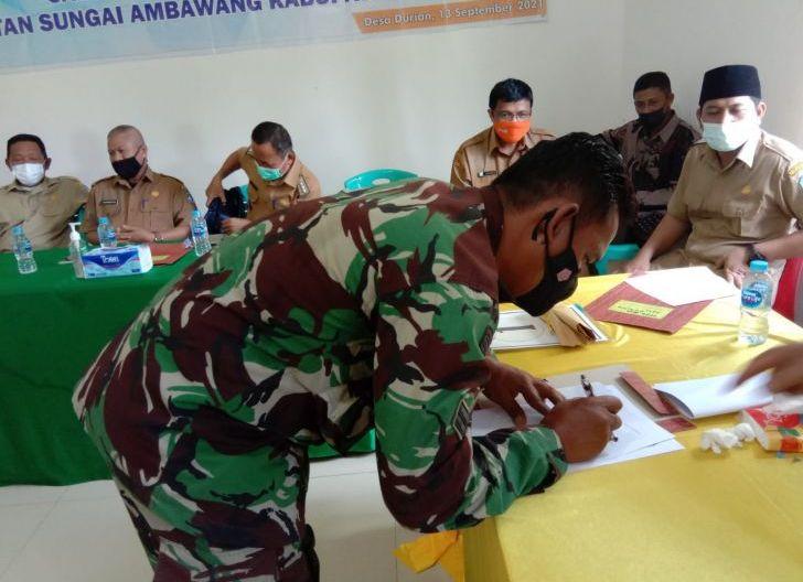 Photo of Babinsa Desa Durian Hadiri Rapat Penetapan Nomor Urut Calon Kepala Desa