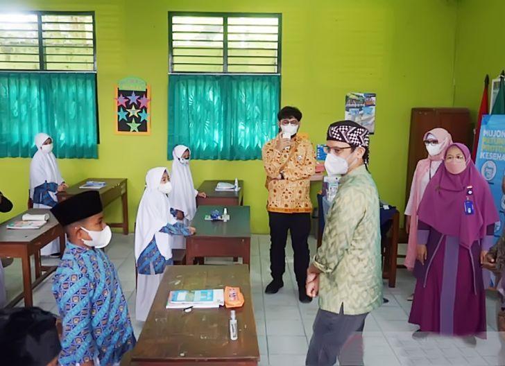 Photo of 490.217 Sekolah Lakukan PTM Terbatas, Nadiem: Daerah PPKM Level 1-3 Jangan Ragu