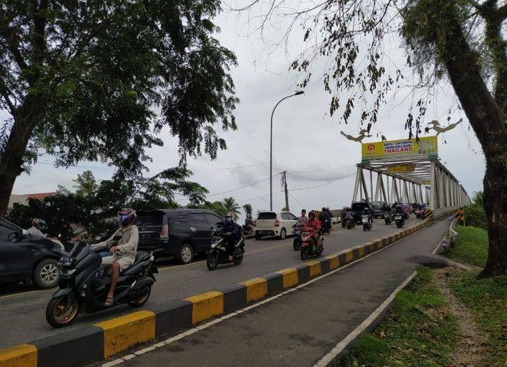 Photo of Warga Tunggu Realisasi Duplikasi Jembatan Kapuas I