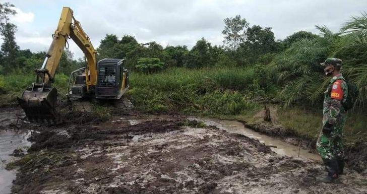 Kerinduan Pembangunan Warga Desa Ampar Bedang Terjawab dengan Program TMMD, Tony: Membangkitkan Semangat Pengabdian Warga