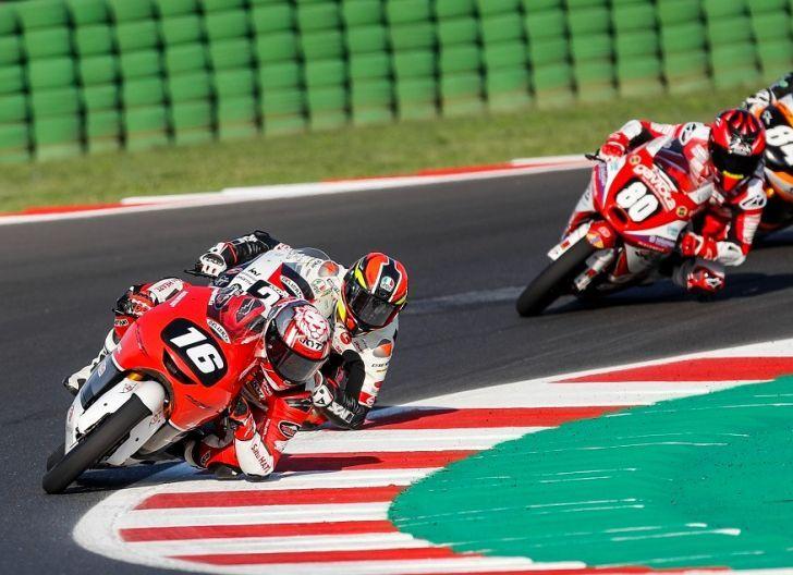 Photo of Torehkan Hasil Lebih Baik, Mario Suryo Aji Finis 10 Besar Klasemen CEV Moto3