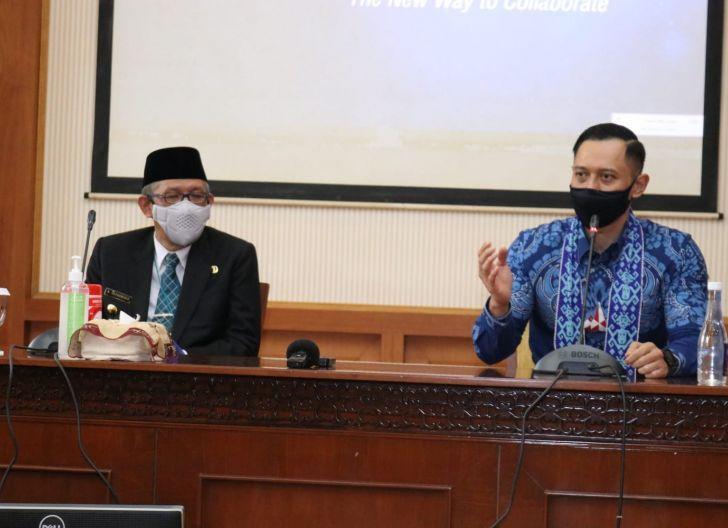Photo of Gubernur Kalbar Terima Kunjungan Ketua Umum Partai Demokrat
