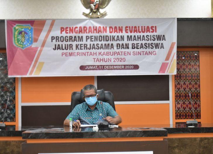 Photo of Pemkab Sintang Klarifikasi Isu Penarikan Mobil KB 2 E