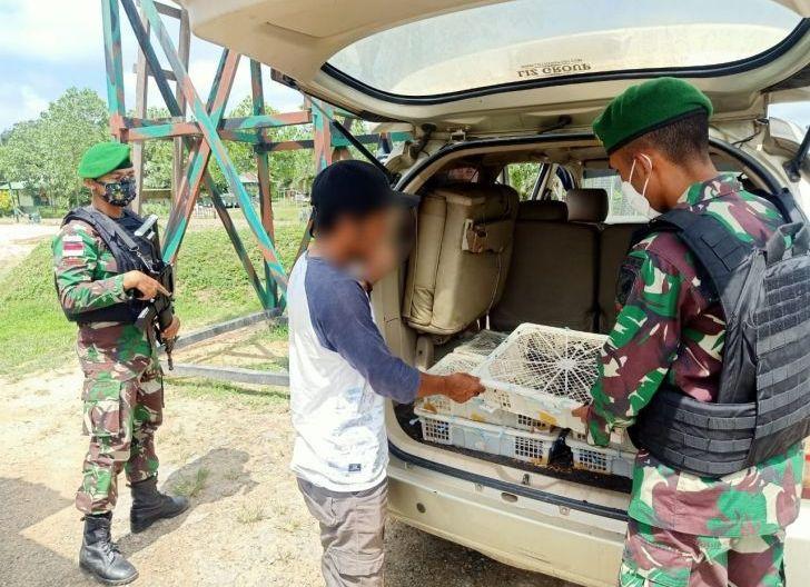 Photo of Satgas Pamtas Yonif Mekanis 643/Wns Kembali Berhasil Gagalkan Penyelundupan Ratusan Satwa Ilegal