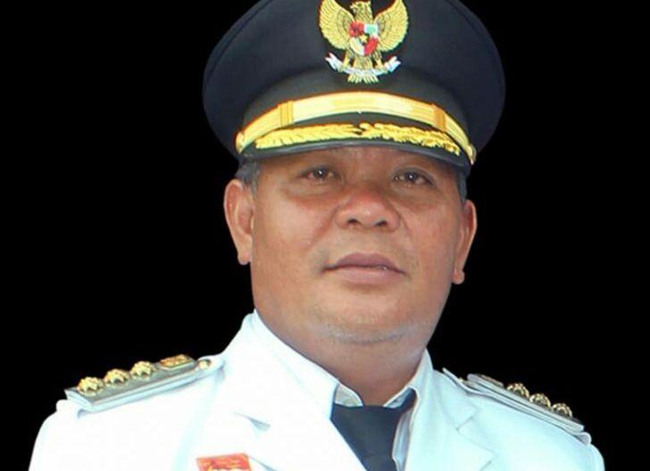 Photo of Bupati PH Janji Berikan Bonus untuk Novi, Peraih Medali Emas PON XX Papua