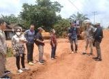 Photo of Monitoring Proyek Jalan Pelang Pematang Gadung, Komisi IV Minta Pelaksana Utamakan Kualitas