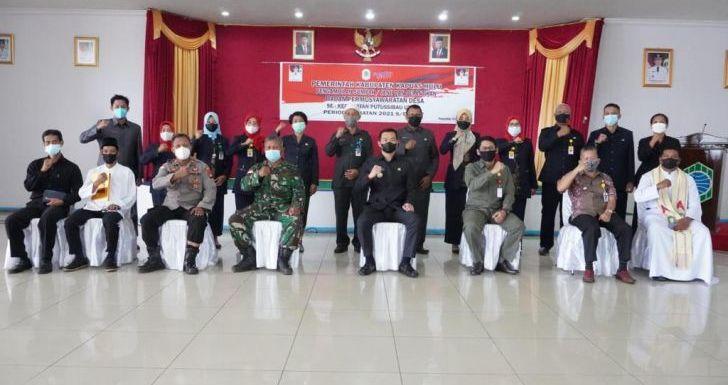 Bupati Lantik Anggota BPD se-Kecamatan Putussibau Utara